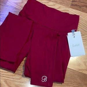 Red bombshell sportswear shape leggings